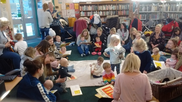 Babies into books3